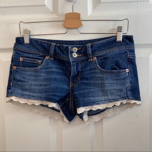 American Eagle Lace Trim Shorts. 6